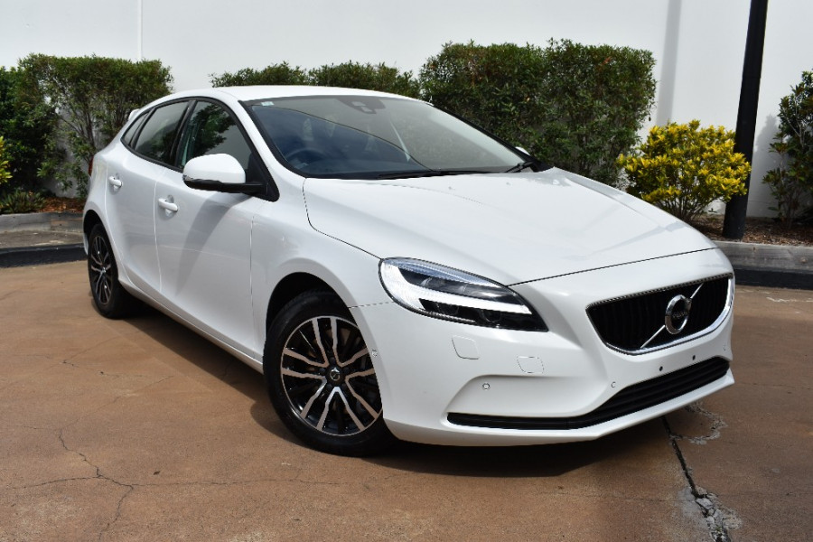 2017 Volvo V40 D2 Momentum For Sale Volvo Cars Mt Gravatt
