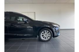 2016 Mazda 3 BM5276 Neo Sedan Image 4