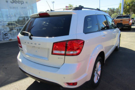 2013 Dodge Journey JC SXT Wagon Image 4