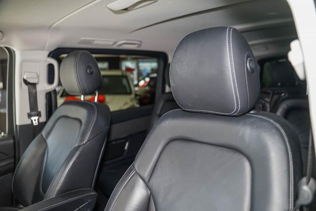 2017 Mercedes-Benz V-class 447 V250 d Avantgarde Wagon Image 18