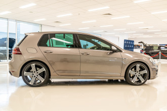 2016 Volkswagen Golf 7 R Hatchback