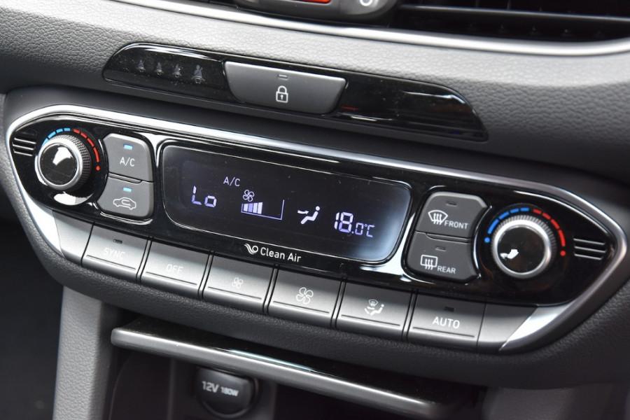 2019 Hyundai i30 PD2 Elite Hatchback Image 14