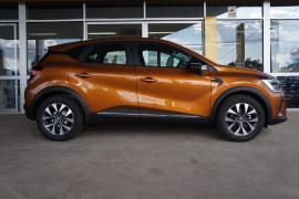 2021 Renault Captur J87 Intens Hatchback