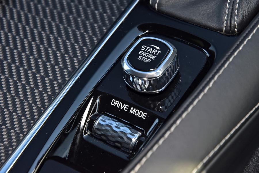 2018 MY19 Volvo XC90 L Series D5 R-Design Suv Mobile Image 18