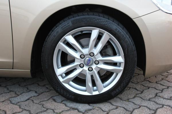 2011 Volvo S60 Vehicle Description. F  MY12 T5 Sedan 4dr PwrShift 6sp 2.0T T5 Sedan