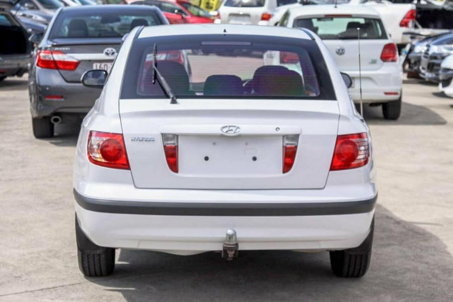 2005 Hyundai Elantra XD 05 Upgrade 2.0 HVT Hatchback Image 4
