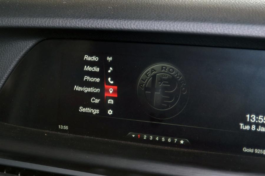 2018 Alfa Romeo Stelvio Stelvio Suv Mobile Image 16