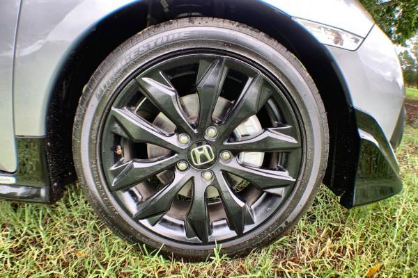 2017 MY16 Honda Civic 10th Gen MY16 RS Sedan Image 2