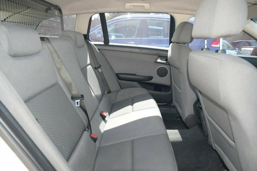 2011 Holden Commodore VE II Omega Sportwagon Wagon Image 16