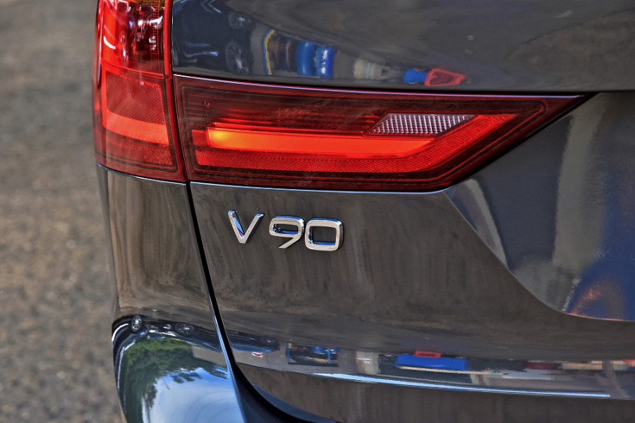 2019 MY20 Volvo V90 Cross Country D5 Wagon Mobile Image 27