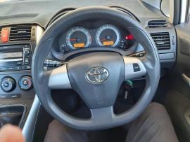 2010 Toyota Corolla ZRE152R  Ascent Hatchback image 12