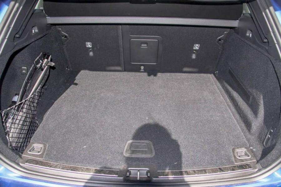 2019 MY20 Volvo XC60 UZ D5 R-Design Suv Image 11