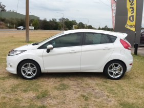 2012 Ford Fiesta WT LX Sedan Image 5