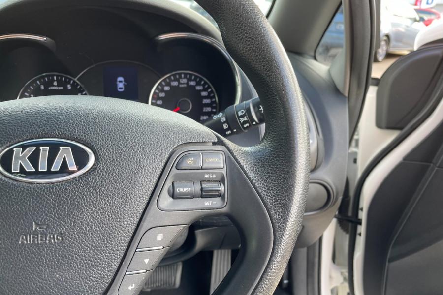 2015 Kia Cerato YD  S Hatchback Image 12
