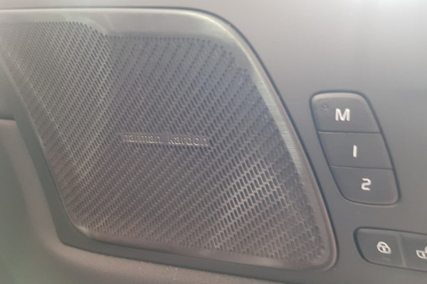 2019 MY20 Volvo XC60 UZ D4 Inscription Suv Image 2