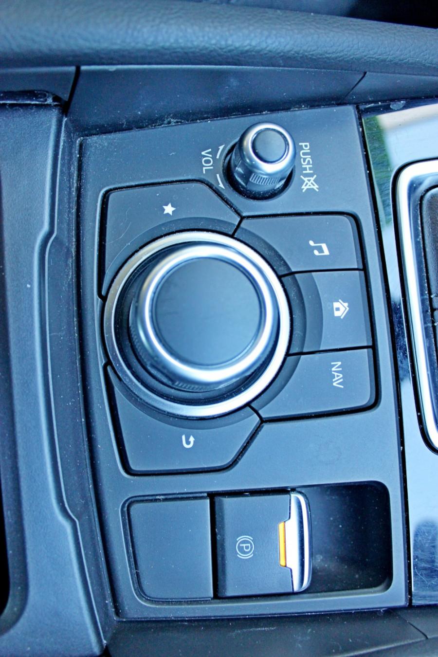 2017 Mazda Mazda3 BN5238 SP25 Sedan Image 16