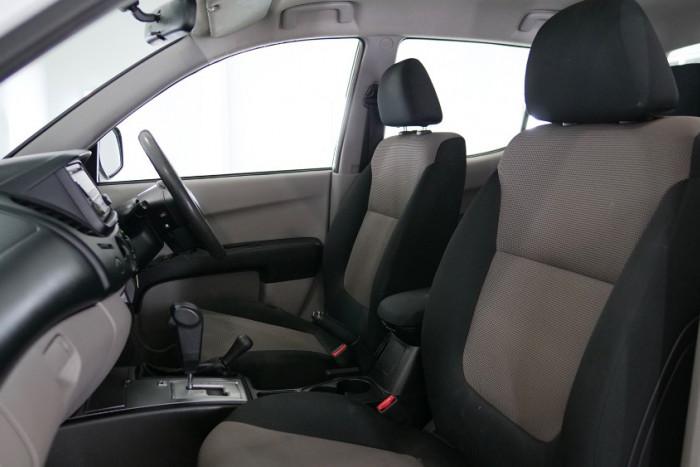 2015 Mitsubishi Triton MN MY15 GLX Utility Image 11