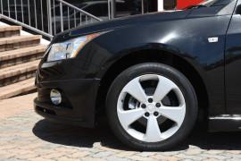 2013 Holden Cruze Vehicle Description. JH  II MY14 EQUIPE HATCH 5DR M 5SP 1.8I Equipe Hatchback Image 5