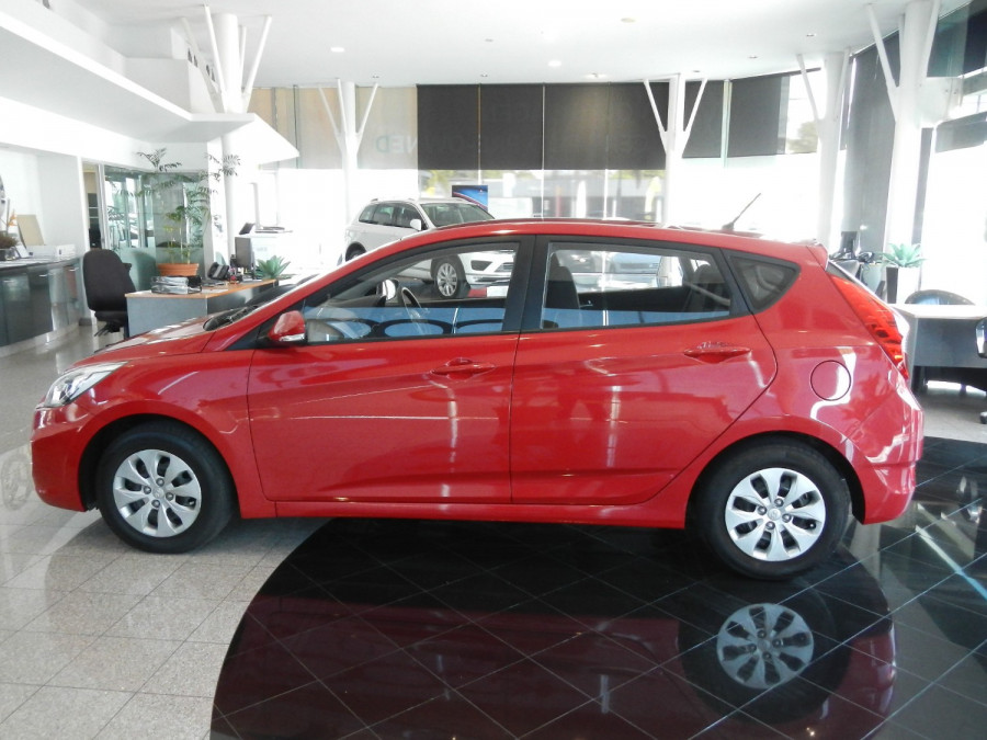 2016 Hyundai Accent RB4 MY16 Active Hatchback Image 6
