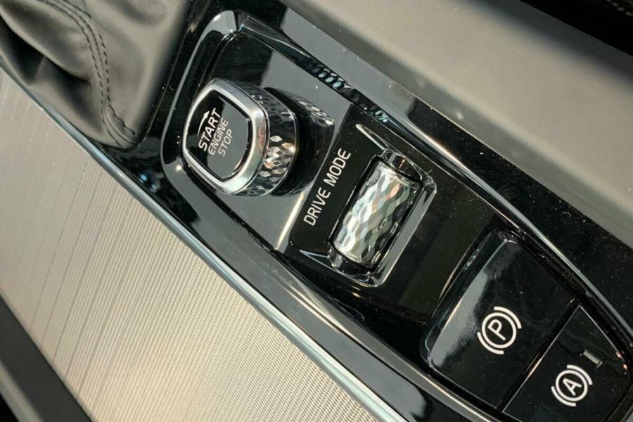 2018 Volvo XC60 UZ D4 Inscription (AWD) Suv Mobile Image 16
