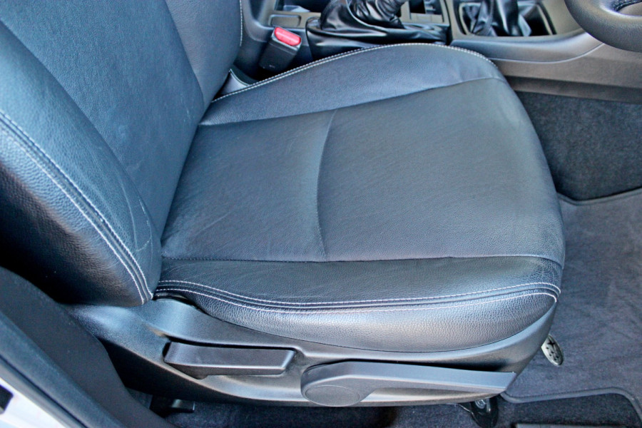 2014 Subaru Impreza G4  2.0i Sedan Image 12