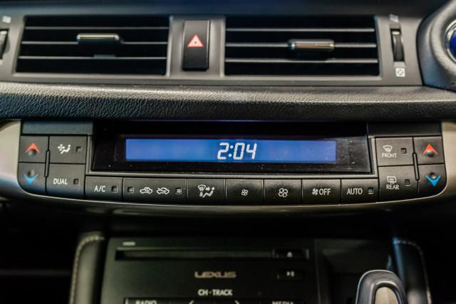 2016 Lexus Ct Hatchback Image 28