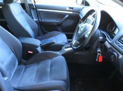 2009 Volkswagen Jetta 1KM MY09 147TSI Sedan Image 5