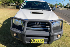 2015 MY14 Toyota HiLux KUN26R Turbo SR Cab chassis