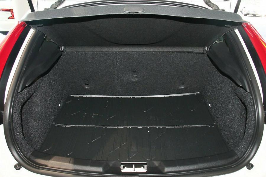 2018 Volvo V40 M Series T4 Inscription Hatchback