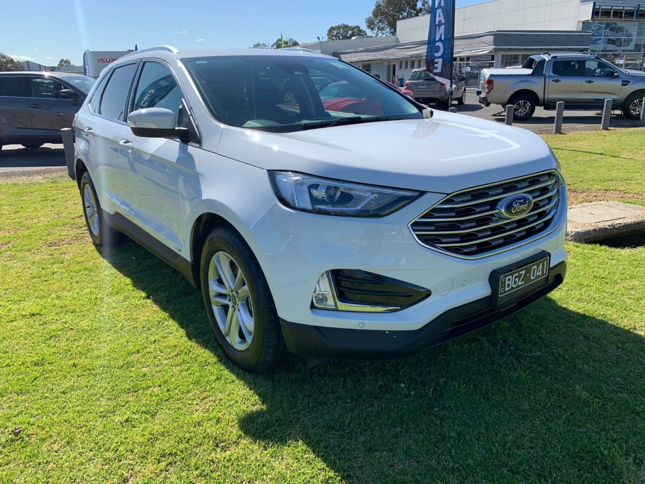 2019 Ford Endura CA Trend Suv Image 3