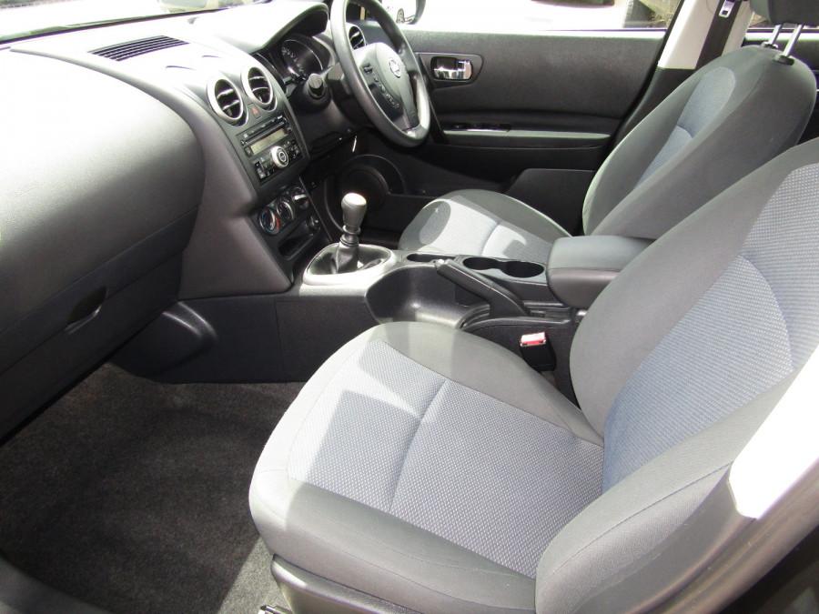 2011 MY10 Nissan DUALIS Hatchback Image 16