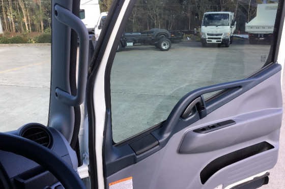2017 Fuso Canter City Cab 515  Tray