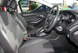 2011 Ford Focus LW Titanium PwrShift Hatchback