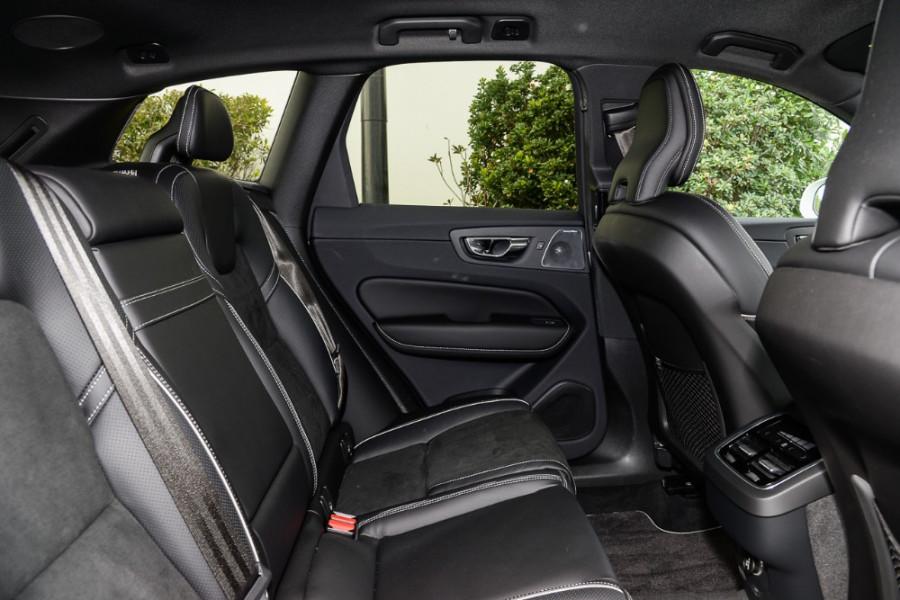 2018 MY19 Volvo XC60 UZ T6 R-Design Suv Mobile Image 9
