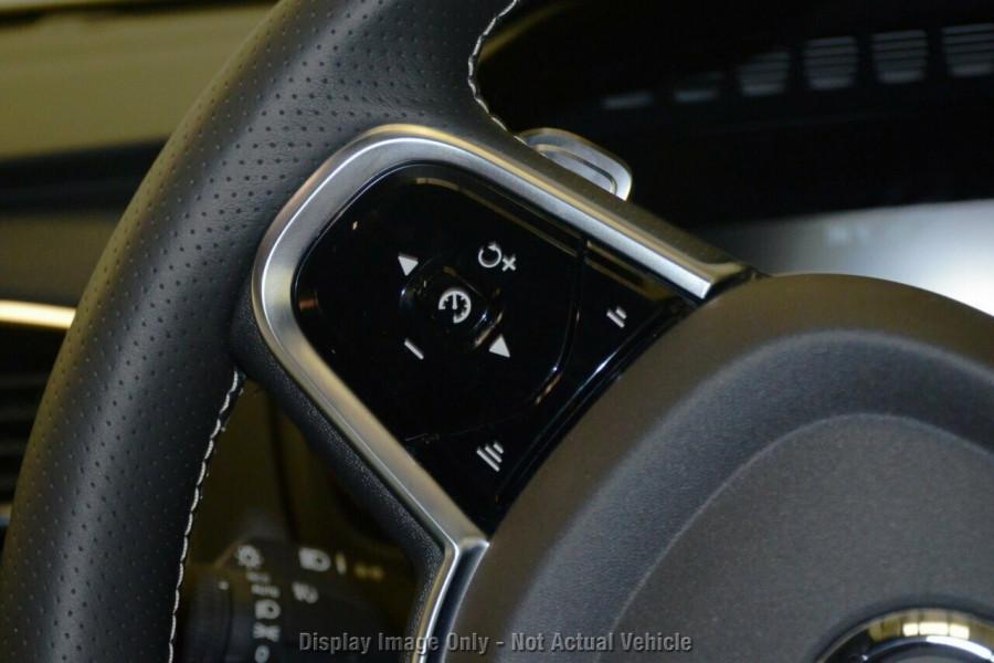 2018 MY19 Volvo XC90 L Series T6 R-Design Suv Mobile Image 11