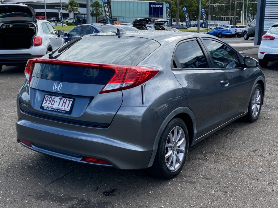 2013 Honda Civic 9th Gen  VTi-S Hatchback Image 3