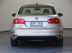 2012 MY13 Volkswagen Jetta 1B MY13 103TDI Sedan Image 5