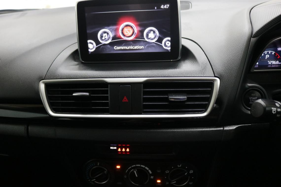2016 Mazda 3 BM5478 MAXX Hatchback Image 10
