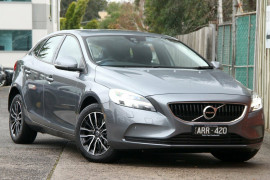 Volvo V40 D2 Adap Geartronic Momentum M Series MY18