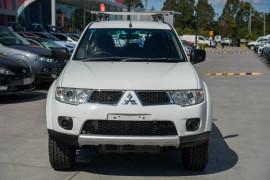 2012 Mitsubishi Challenger PB (KG) MY12 Wagon Mobile Image 6