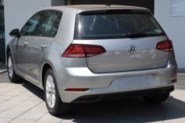 2019 Volkswagen Golf 7.5 110TSI Trendline Hatchback Image 3