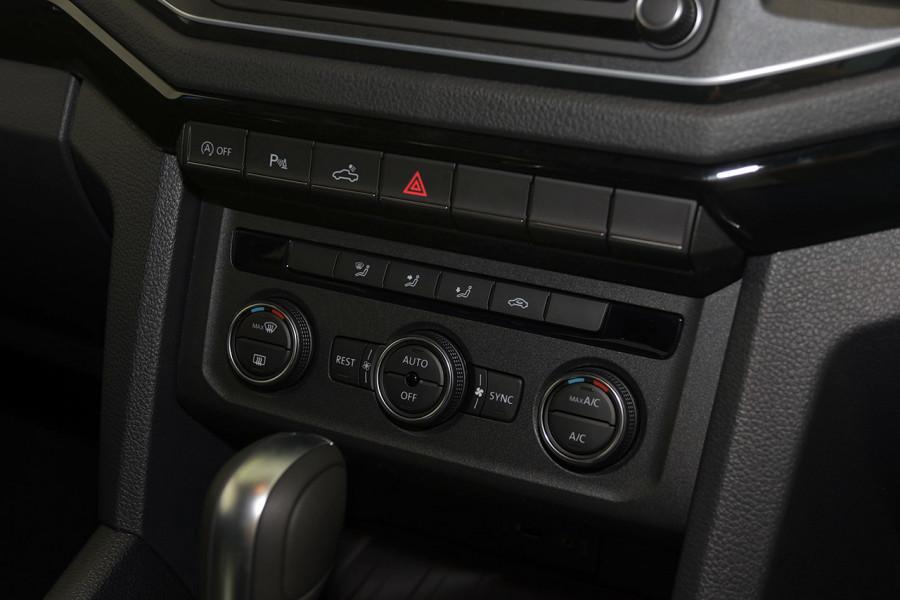 2019 MYV6 Volkswagen Amarok 2H Highline Black 580 Utility Image 16