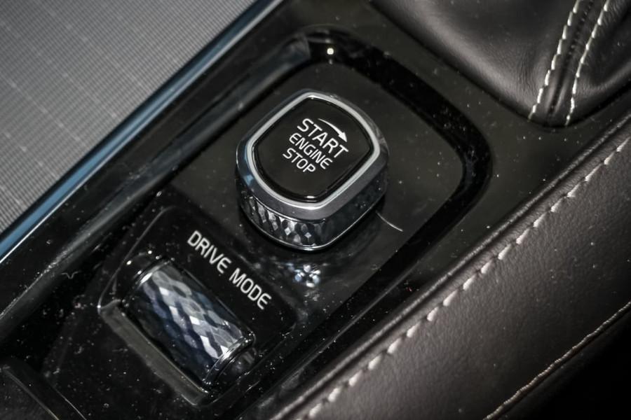 2021 Volvo XC90 L Series T6 R-Design Suv Image 20