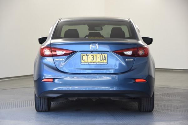 2017 Mazda 3 BN5238 SP25 Sedan Image 4
