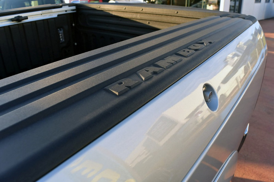2018 Ram 1500 Laramie Rambox Utility crew cab Mobile Image 10