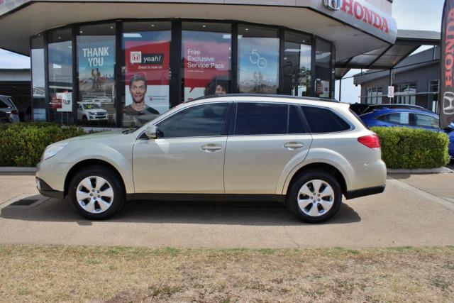 2010 Subaru Outback B5A  2.5i 2.5i - Premium Suv Image 5