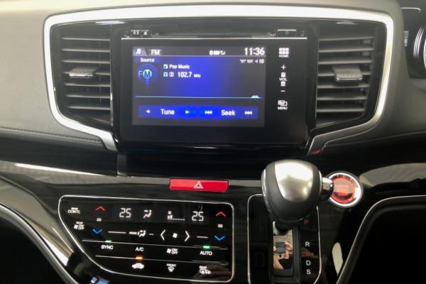 2019 Honda Odyssey 5th Gen VTi-L Van Image 4