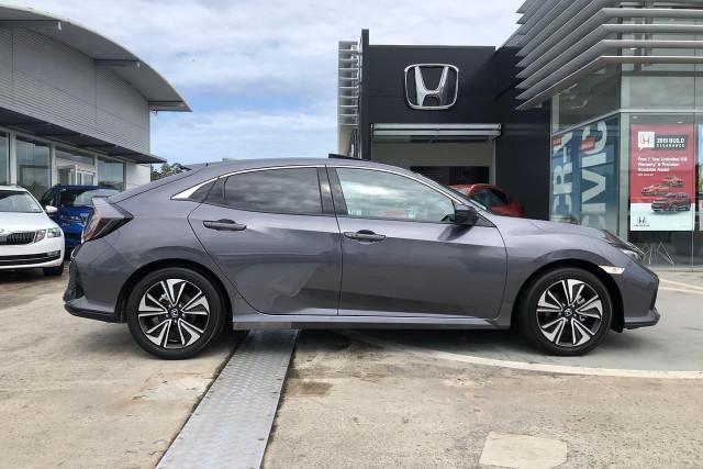 2019 Honda Civic Hatch 10th Gen VTi-LX Hatchback Image 4