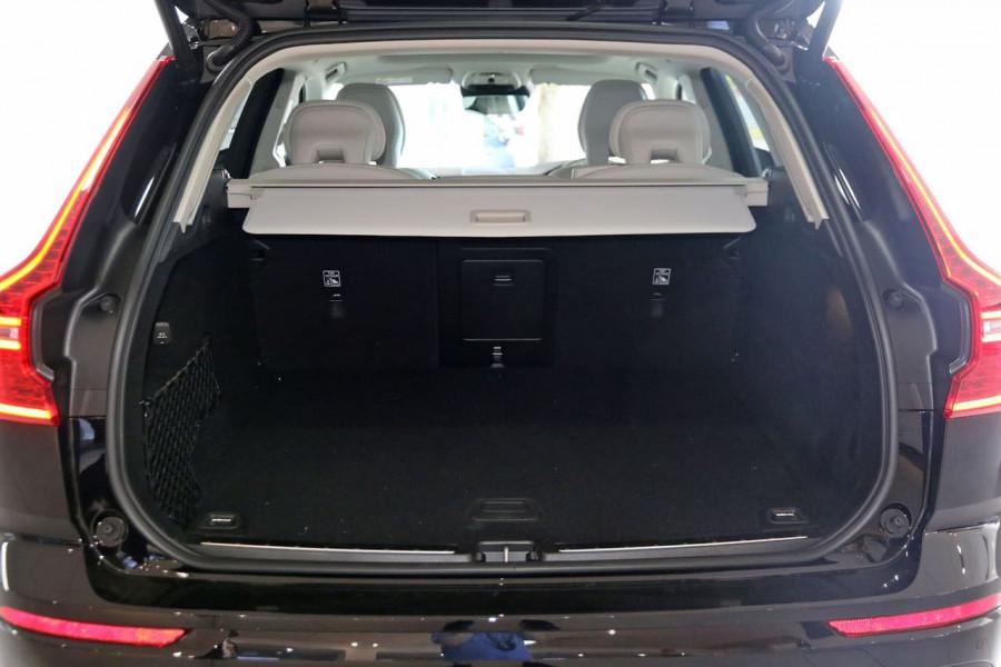 2020 MY21 Volvo XC60 UZ D4 Momentum Suv Image 12