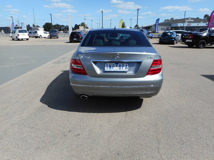 2014 Mercedes-Benz C-class W204  C250 CDI Avantgarde Sedan Image 7